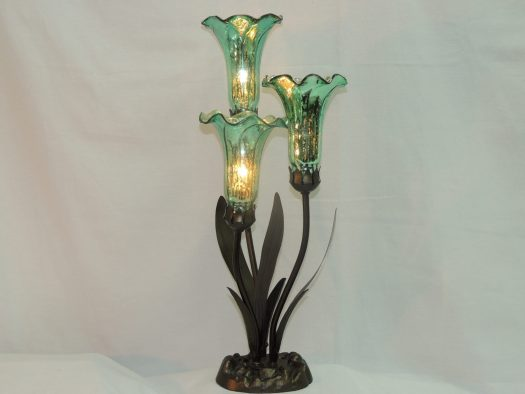 three lily memory lamp